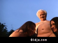 grandad gustavo bangs with naughty women